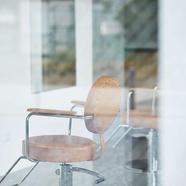 10/9(火)〜10/16(火)はお休みとさせて頂きます。 10/17(水)より通常営業いたします。 皆さまのご来店お待ちしております。 #ゴエン #goen #美容室 #hairsalon #内装 #インテリア #interior #センター北 #haircut